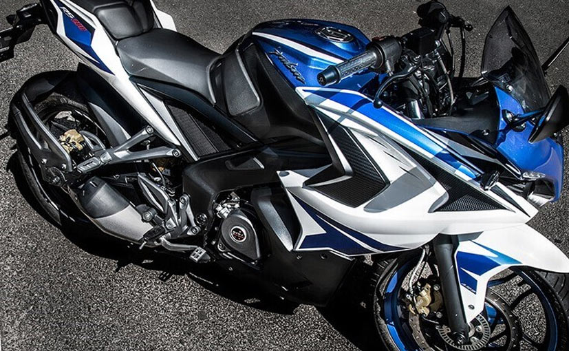 The Bajaj Pulsar RS200 BS6 continues to get twin projector headlamps with LED DRLs