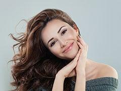 लॉकडाउन में बालों की देखभाल करने में मदद करेंगे ये 6 आसान तरीके