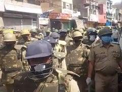 उत्तर प्रदेश के मेरठ में मस्जिद का मुआयना करने पहुंची पुलिस टीम पर पथराव
