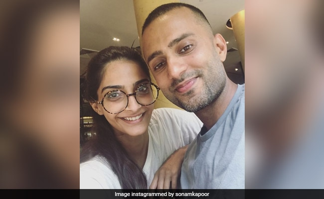 """""""Chubby Hubby"""": Sonam Kapoor Shares Adorable Throwback Pics Of Anand Ahuja"""