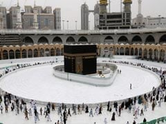 24-Hour Curfew In Muslim Holy Cities Mecca, Medina Over COVID-19
