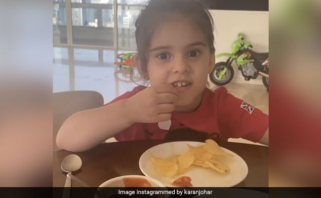 Karan Johar's 'Diet Police' Yash And Roohi Don't Want Him To Have Burgers. Here's Why