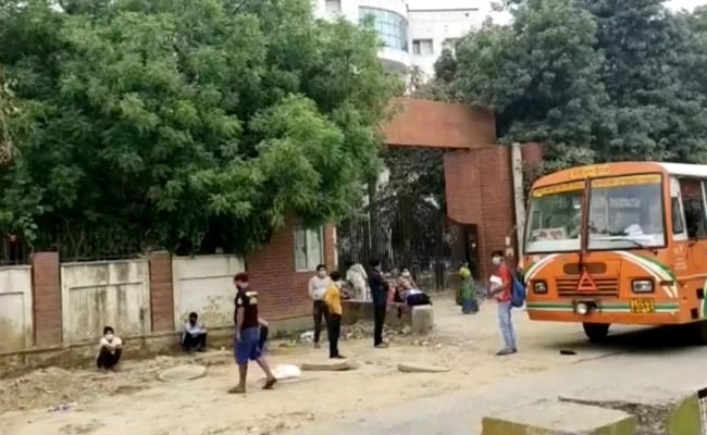 On Camera, 69 COVID-19 Patients Wait On Footpath Outside UP Hospital