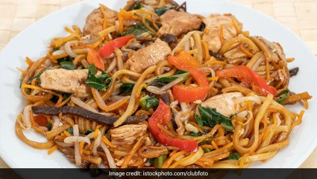 Lockdown Recipe: How To Make Restaurant-Style Chicken Chow Mein