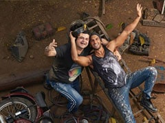 Ranveer Singh And Dabboo Ratnani's BTS Pic Takes Us To The <i>Gully</i> Of Throwbacks