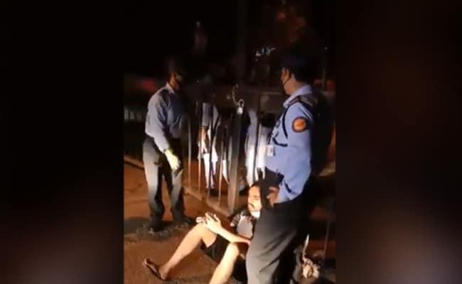 VIDEO: लॉकडाउन के बीच कैंपस से बाहर जाने पर रोका तो JNU स्टूडेंट बोला- मैं खांसकर फैला दूंगा Corona, लगाया पिटाई का आरोप