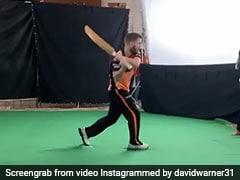डेविड वॉर्नर ने अपने बल्ले से की 'तलवारबाजी', देखकर रविंद्र जडेजा का रहा ऐसा रिएक्शन, देखें VIDEO