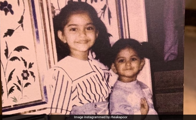 This Throwback Pic Of  'Big Sister' Sonam Kapoor With Rhea Is All About Sibling Love