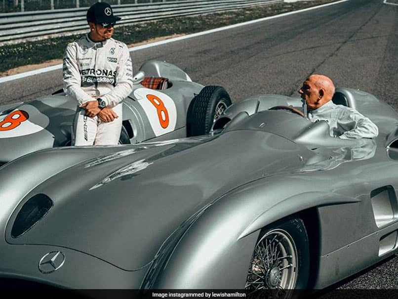 "Lewis Hamilton Salutes ""Racing Legend And Comrade"" Stirling Moss"