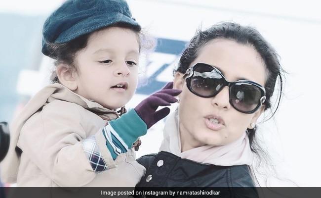 Namrata Shirodkar's Throwback Pic With Baby Sitara Will Drive Your Quarantine Blues Away