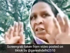 लॉकडाउन में लोगों को घूमता देख गुस्साई आंटी, बोलीं- 'मोदी जी हर घर में ताला लगा दें क्या...' देखें TikTok Viral Video
