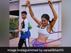 घर में कैद सारा अली खान ने किया हूला-हूप, Photo शेयर कर, शायरी में कही ये बात...