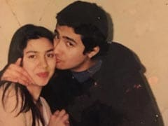 A Priceless Pic From Mahira Khan's Throwback <I>Khazana</i> Because It's A Special Day