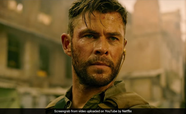 Chris Hemsworth S Extraction Trailer Was Just What Meme Hungry Twitter Needed