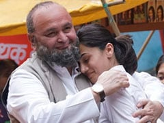 """Taapsee Pannu Remembers Rishi Kapoor As Only Co-Star Who Could Beat Her At """"Being Brutally Honest"""""""
