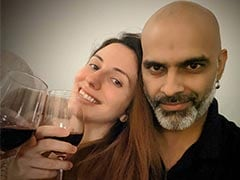 """Inside Raghu Ram And Natalie Di Luccio's Date At Home With Mood Music And """"Rationed"""" Drinks"""