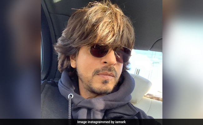 'Glad To Be Of Service,' Shah Rukh Khan Tweets To Maharashtra Minister