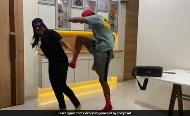 Shreyas Iyer kicks her sister while dancing video viral