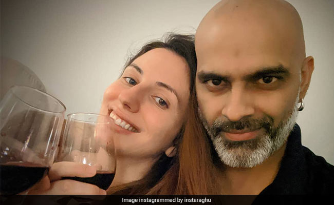 Inside Raghu Ram And Natalie Di Luccio's Date At Home With Mood Music And 'Rationed' Drinks