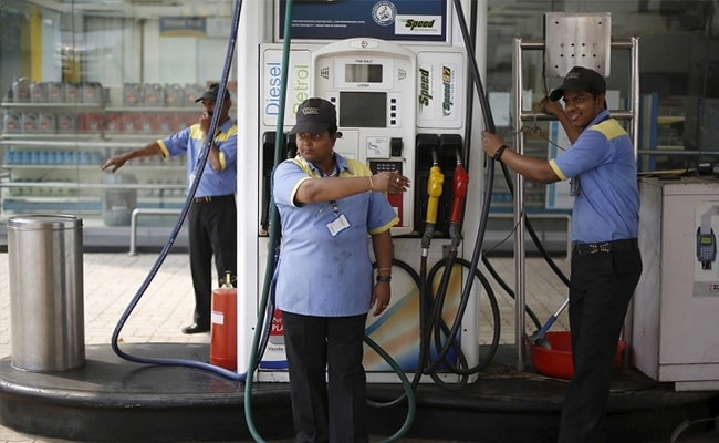Petrol Price Hiked By Rs. 1.67, Diesel By Rs. 7.10 Per Litre In Delhi Due To Increase In VAT