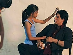 Internet's <I>Dil To Pagal Hai</I> For This Throwback Pic Of Shah Rukh Khan With Daughter Suhana