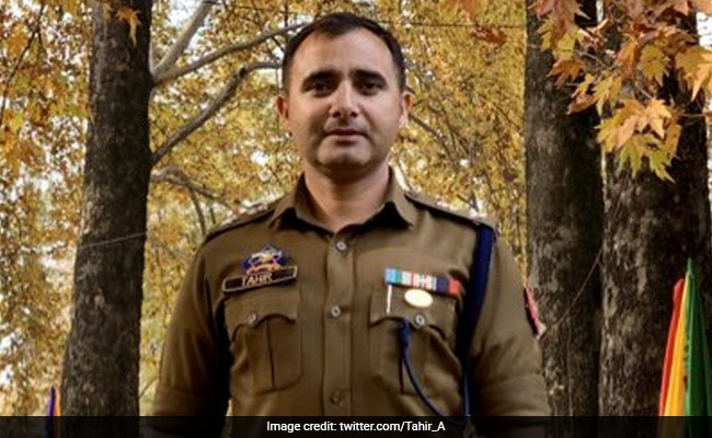 Senior J&K Cop Called Out For Tweet Against PM After Charging Journalist
