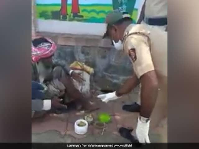 "Watch: Yuvraj Singh Praises Policemen For ""Sharing Their Own Food"" Amid Coronavirus Crisis In Viral Video"