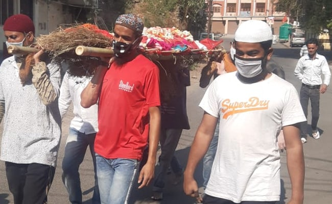 No Transport, Muslim Men Carry Hindu Woman's Bier For Cremation In Indore