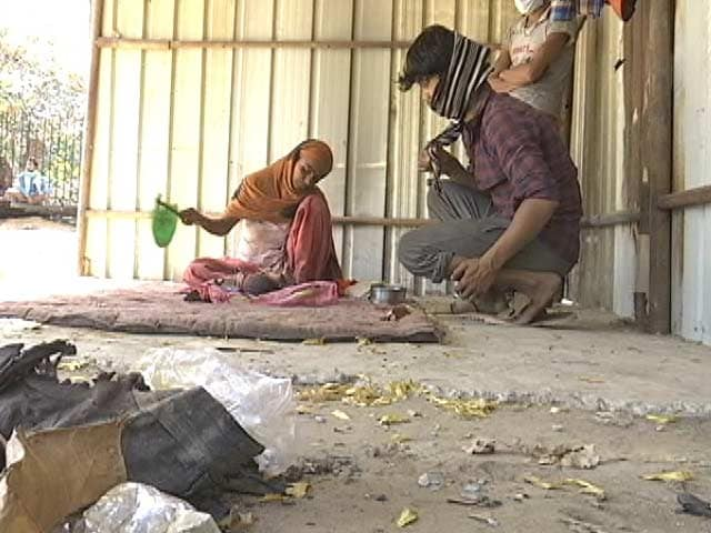 Video : Salt-Rice, Water: How Migrant Workers Are Coping With Lockdown In Delhi