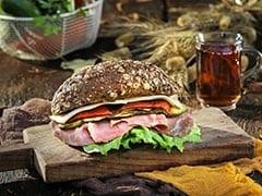 बर्गर या सैंडविच खाते वक्त फिलिंग आने लगते हैं बाहर तो इस आसान तरीके से घर पर करें तैयार