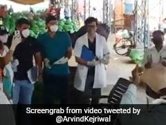 Watch: Claps, Cheers For Healthcare Heroes in Delhi's Azadpur Mandi