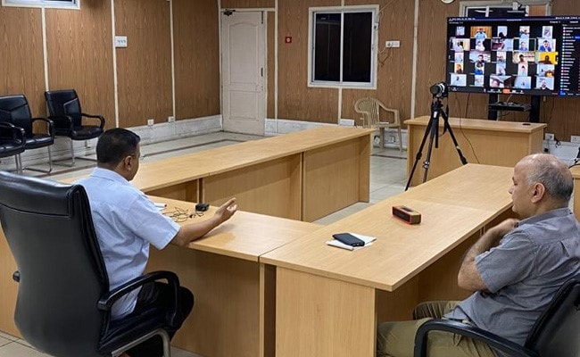 'மாஸ்க் அணியாமல் வெளியே வரக்கூடாது' - டெல்லி அரசு அதிரடி உத்தரவு!!