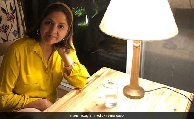 Neena Gupta's Hairband Makes Her Look 'Like A College Girl,' Say Fans