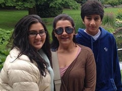 """""""Everything Is Same"""" - Almost - In Sara Ali Khan's Now And Then Pics With Mom And Brother"""