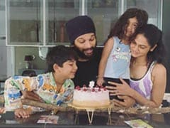 Allu Arjun Cuts Birthday Cake With Wife Sneha And Kids Ayaan, Arha. See Pics