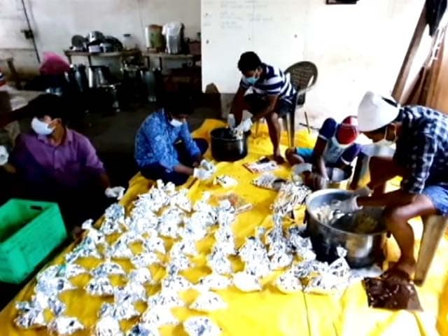 Video : NGO Oxfam India Distributes Cooked Meals In Tamil Nadu