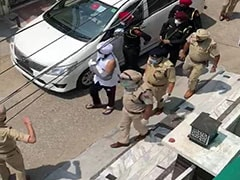 Hero's Welcome For Punjab Cop Whose Wrist Was Chopped Off During Lockdown