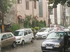 Heavy Rain, Hailstorm In Ghaziabad And Noida Near Delhi