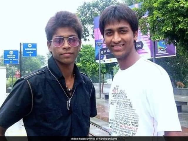 "Hardik Pandyas Throwback Picture With Brother Krunal Oozes ""Desi Swag"""