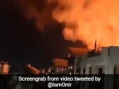 जयपुर में बीती रात पटाखे से लगी आग तो भड़के बॉलीवुड डायरेक्टर, बोले- मूर्ख लगातार...देखें Video