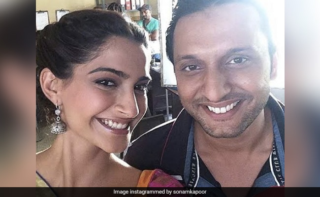 How Sonam Kapoor And Swara Bhasker Wished Their Raanjhanaa Co-Star Mohammed Zeeshan Ayyub On His Birthday