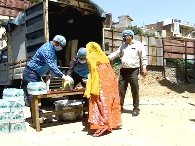 Video : Coronavirus Lockdown: How NGO OXFAM India Is Helping The Migrants