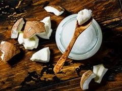 दमकती त्वचा के लिए यूं घर पर बनाएं नारियल का तेल, जानें फायदे