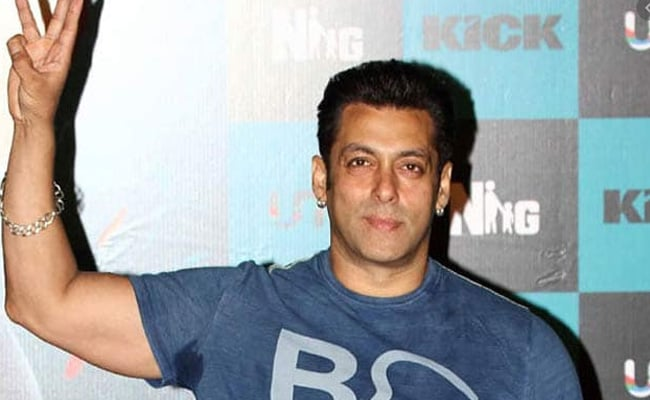 Salman Khan Starts Transferring Funds To Bollywood's Daily Wage Workers Affected By Lockdown
