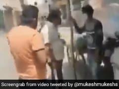 दिल्ली : धर्म पूछकर सब्ज़ी वाले को डंडे से पीटा, वीडियो वायरल होने के बाद पुलिस ने किया अरेस्ट