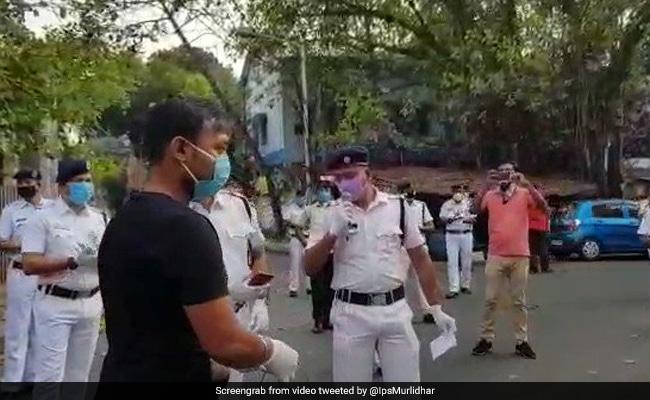 कोविड-19 संबंधी पाबंदियों के बीच पार्टी करने पर कोलकाता के होटल से 37 लोग गिरफ्तार