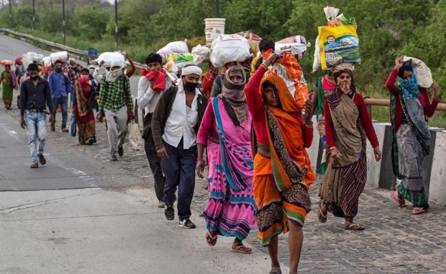 प्रवासी मजदूरों के संकट से बीजेपी को न उठाना पड़ जाए बड़ा खामियाजा, इस डर से लॉकडाउन में दी गई छूट : सूत्र