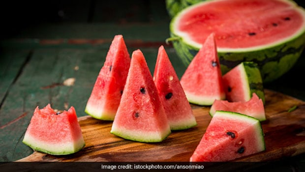 TikTok User's Easy Hack To Slice A Watermelon In Seconds Is Winning The Internet
