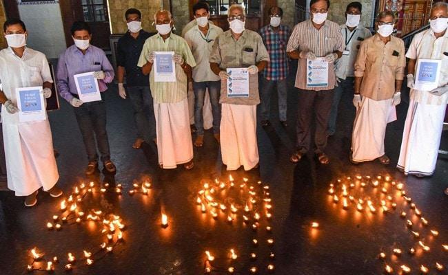 कोरोना को लेकर प्रधानमंत्री की अपील पर देशवासी आज रात 9 मिनट के लिए बंद करेंगे लाइटें, याद दिलाने के लिए PM मोदी ने ट्विटर पर कही ये बात