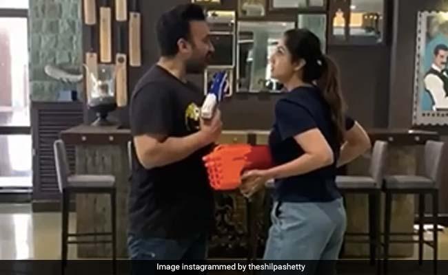 शिल्पा शेट्टी और राज कुंद्रा के बीच बेटे वियान ने लगाई आग, फिर यूं छिड़ा युद्ध- देखें Video